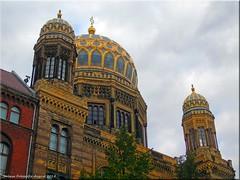 Berlin - Neue  Synagoge in der Abenddämmerung (Jorbasa) Tags: synagoge synagoque berlin mitte oranienburgerstrase jorbasa hessen wetterau germany deutschland geotag eduardknoblauch friedrichauguststüler baudenkmal