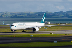 Cathay Pacific Airbus A350 (Daniel Talbot) Tags: a359 akl airbus airbusa350900 auckland aucklandairport aucklandregion blre cathay cathaypacific nzaa newzealand northisland teikaamāui aircraft airplane airplanes airport aviation maker oceania plane season seasons transportation winter wintertide wintertime