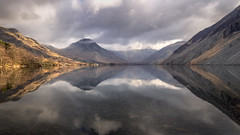 Wonderful Wast Water (urfnick) Tags: nationalpark lakedistrict cumbria britain uk england canon 6dmkii clouds reflection smooth scree