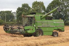 Deutz Fahr Topliner 4090 HTS Combine Harvester cutting Winter Wheat (Shane Casey CK25) Tags: deutz fahr topliner 4090 hts combine harvester cutting winter wheat samedeutzfahr deutzfahr sdf df green ballyhooly grain harvest grain2018 grain18 harvest2018 harvest18 corn2018 corn crop tillage crops cereal cereals golden straw dust chaff county cork ireland irish farm farmer farming agri agriculture contractor field ground soil earth work working horse power horsepower hp pull pulling cut knife blade blades machine machinery collect collecting mähdrescher cosechadora moissonneusebatteuse kombajny zbożowe kombajn maaidorser mietitrebbia nikon d7200