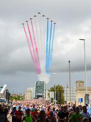 GNR2018 Red Arrows (Northern Kev) Tags: gnr2018 gnr redarrows planes formation newcastle nikon d7200 nikond7200 tynebridge redwhiteandblue colours people runners running