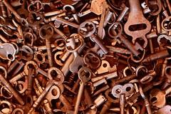 Keys to the Castle (Read2me) Tags: brimfieldantiquesfair old many key rust metal brown storybookotr perpetualchallengewinner friendlychallenges thechallengefactoryweeklythemechallengewinner challengeclubwinner pregamesweepwinner duele gamewinner challengeyouwinner agcgwinnersweep 9e 15challengeswinner