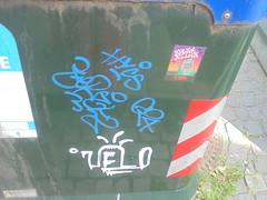 360 (en-ri) Tags: velo g24 bianco azzurro tag hycs zeres torino wall muro graffiti writing