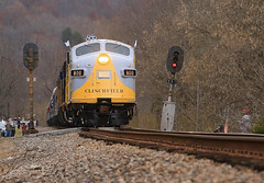 559 signals (GLC 392) Tags: va virginia tunnel thanks bro russel fork river city hill mountain light crr clinchfield 800 csx csxt railroad railway train emd sd45 sd452 f40ph 2017 santa express 75th anniversary 3632 9992 9999 load out holler hollar trees christmas merry passenger vlix vintage locomotive works southern appalachian museum f3au fp7a sbvr road tree bridge water forest grass clinchco car dungannon signal signals 559 2018