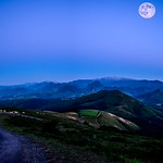 Pyrénées panorama, heure bleue! thumbnail
