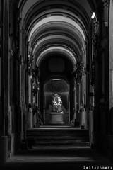 Bologna, Cimitero Monumentale della Certosa di Bologna (Sven Kapunkt) Tags: italia italien italy cemetery cemeteries cimetière campo certosa cimitero friedhof friedhöfe gräber grab graveyard grabmal gothic angel engel