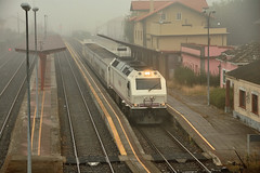 BETANZOS-INFESTA (Andreu Anguera) Tags: tren ferrocarril trenhotel madridferrol betanzosinfesta acoruña galicia andreuanguera