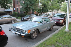 450SL (Flint Foto Factory) Tags: chicago illinois urban city summer september 2018 mercedes benz 450sl r107 rusty rust blue 2seat gt grand tourer touring german import car auto automobile street parked parking curb worldcars busted