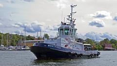 The tug boat Montfred in Stockholm (Franz Airiman) Tags: tug tugboat bogserbåt montfred båt boat ship fartyg stockholm sweden scandinavia