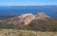 Drápuhlíðarfjall og Hvammsfjörður (hó) Tags: drápuhlíðarfjall hvammsfjörður grímsfjall snæfellsnes mountain fjord sea iceland august 2018 landscape moss rhyolite colours geology