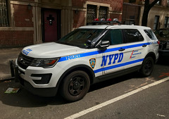 NYPD Emergency Service Unit Ford Explorer Police Inteceptor Utlilty (NY's Finest Photography) Tags: highway patrol state nypd fdny ems police law enforcement ford dodge swat esu srg crc ctb rescue truck nyc new york mack tbta chevy impala ppv tahoe mounted unit service squad dcu