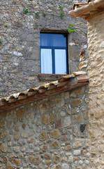 CABANELLES - DETALL (Joan Biarnés) Tags: cabanelles altempordà empordà girona detall detalle 267 panasonicfz1000 finestra ventana