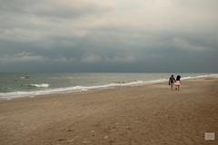 527201808tCERVIA-16 (GIALLO1963) Tags: beach seashore seaside storm wheather europe italy romagna cervia couples
