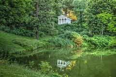 Varsovia (Enrica F) Tags: lazienky varsovia polonia nikon park water reflections temple