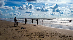 20180811_170527 (durr-architect) Tags: north sea beach castricum zee sand clouds people water light