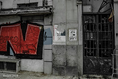'N' vs 'Z' (ericbaygon) Tags: tag graffiti porte door street rue old ancien vieux red rouge abandoned rusty rust nikon d750