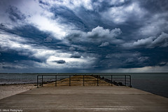 Lands End (vmonk65) Tags: helgoland insel nikon nikond810 nordsee island northsea wolken clouds sea pier kai