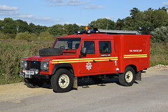 1st Defence - F98DKN (matthewleggott) Tags: 1st defence fire rescue engine appliance f98dkn land rover kent