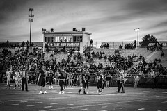 Homecoming Football (Phil Roeder) Tags: desmoines iowa desmoinespublicschools easthighschool football homecoming sports athletics highschool blackandwhite monochrome canon6d canonef100400mmf4556lis