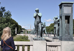 VIGELAND PARK (ADRIANO ART FOR PASSION) Tags: norvegia norway oslo nikon nikond90 d90 nikkor18200 parco statue frognerpark gustavvigeland statuadidonna vigelandpark statua scultura