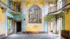 Villa Sbertoli (Emeuh-Bru) Tags: villasbertoli urbex urbanexploration explorationurbaine architecture lost abandonné abandoned italia italie italy