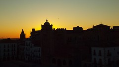 AMANECER EN CACERES (felixgracia57) Tags: amanecer horaazul sol caceres extremadura skyline murallas centrohistorico orto alba aurora