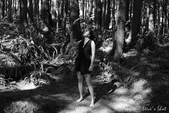 DSC_3653-2 (FNshutter) Tags: nikond610 d610 nikkor35mmf20d fern woman dark light shadow monochrome