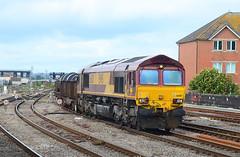 66011. (curly42) Tags: 66011 class66 railway freight transport ews dbs