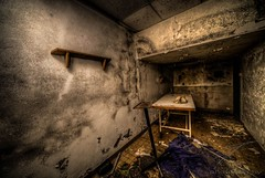 Mortuary Chamber (Jan Fenkhuber Photography) Tags: urbex cliniquedudiable france alsace urban cellar dark hdr photography clinic sanatorium hotel abandoned decay exploration building indoors basement table chamber urbanexplorationalsacecliniquedudiableeuropefrancestosswihr