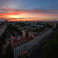 """See you Tomorrow"" (Light Levels Photoworks) Tags: architecture sundown sundowner architektur allemagne adventure atmosphere berlin berliner fernsehturm city cityscape clouds d750 deutschland dämmerung europe europa earth germany landscape landschaft moment nikon nikkor outdoor perspectives paysage photography perspektive photo panorama stadt street sunset sonnenuntergang skyline time travel tower twillight urban view viewpoints voyage ville world wetter wolken wideangle weather"