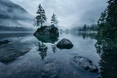 Hintersee im Nebel (Gruenewiese86) Tags: 2016 6d canon landschaft roadtrip landscape hintersee berchtesgaden berchtesgadener land nebel nebelwald see sea morning sunrise outdoor schnee