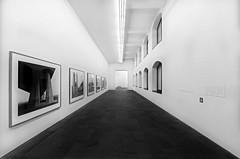 Küppersmühle (Der Hamlet) Tags: duisburg museum küppersmühle innenhafen schwarzweiss flur galerie ausstellung linien