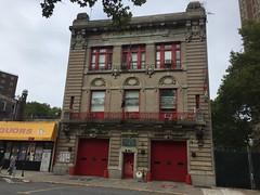 Engine 60 · Ladder 1  · Battalion 14 (Triborough) Tags: ny nyc newyork newyorkcity bronxcounty thebronx bronx motthaven fdny newyorkcityfiredepartment firehouse ladder17 engine60 firestation