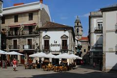 Vigo (hans pohl) Tags: espagne galice vigo villes cities architecture squares places eglises churchs personnes people fenêtres windows