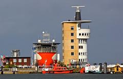 Cuxhaven (Wolfgang.W. ) Tags: radarturmcuxhaven elbe offshorevessellarissa schiff bow bug steven hafen port