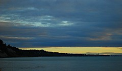 Scarborough sunrise (Pwern2) Tags: scarboroughbluffs scarborough sky clouds navyblue sunrise toronto the6 ontario lakeontario highlandcreek rougeriver bluehour blueclouds nature landscape bluffs waves canada canadian easternontario