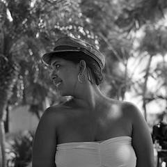 Dina - El Rodadero (RoryO'Bryen) Tags: dina santamarta elrodadero portrait bella beautiful colombiana roryobryen copyrightroryobryen rolleiflex mediumformat formatomedio ishootfilm analoguephotography kodaktrix iso400
