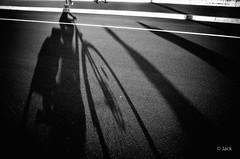 end of the day (Jack_from_Paris) Tags: r0003232bw ricoh gr apsc 28mm capture nx2 lr monochrom noiretblanc noir et blanc street paris road sol urbain en vélo bicyclette urban soleil sun shadow ombre soir end day grand giant blackandwhite monochrome