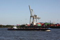 Hamburg: Tankmotorschiff CHRISTIAN BURMESTER (Helgoland01) Tags: hamburg elbe river fluss deutschland germany schiff ship kran
