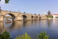 Karlův most (Ralph Apeldoorn) Tags: bridge brug charlesbridge czechrepublic karelsbrug karlůvmost moldau prague praha river vltava praag hlavníměstopraha tsjechië cz