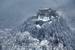 Winter is Coming (hapulcu) Tags: austria austrija autriche hohenwerfen oostenrijk salzburgerland werfen castle hiver invierno lac lake schloss winter österreich