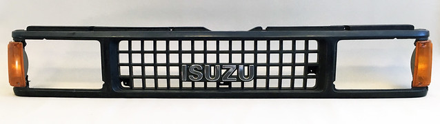 Isuzu Trooper Grille