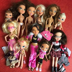 Flea Market Finds : 09-09-2018 (Part 4) (MyMonsterHighWorld) Tags: bratz doll dolls mga entertainment mgae lil angelz yasmin the movie play sportz hot summer dayz cloe nevra wild life safari polita cle kidz world familiez portia kids aubrey passion for fashion