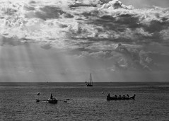 Cambrils (achlysfb) Tags: fujixt2 1855f284ois bw sunrays seashore