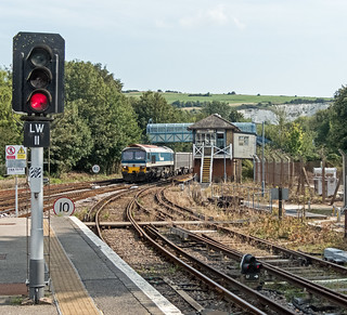 Class 59/1 59101 VILLAGE OF WHATLEY entering Lewes with the 1110 Day's Siding to Acton