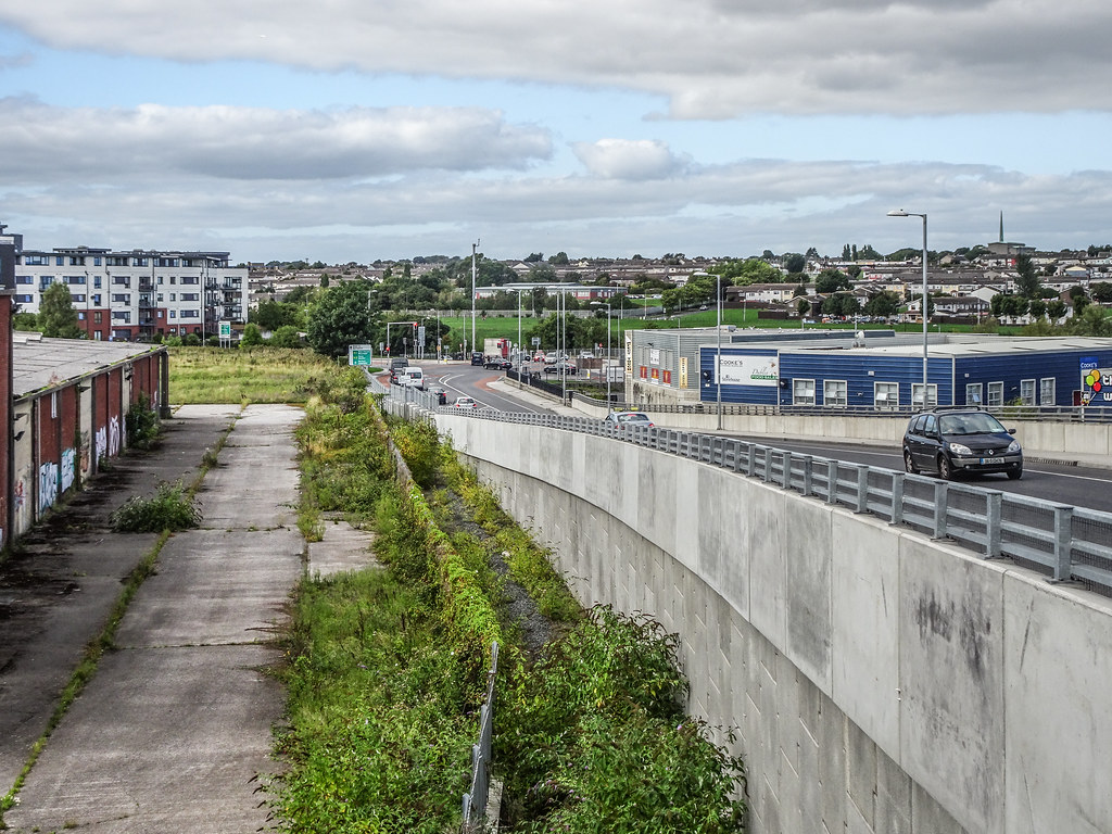 REILLY'S BRIDGE WAS REPLACED BY THE RATOATH ROAD OVERBRIDGE [IT IS A PITY THAT THEY DID NOT COME UP WITH A NAME FOR THE NEW BRIDGE]-143884