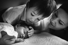 Family sessions... (Raúl Barrero fotografía) Tags: seleccionar family babies home portrait