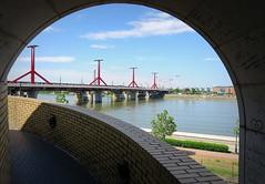 DIPENDE DAL PONTE DI VISTA. (Skiappa.....v.i.p. (Volentieri In Pensione)) Tags: budapest anno testando la solidità del ponte