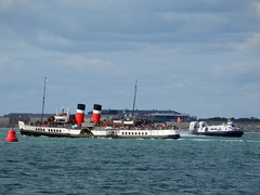 PS Waverley (Rob_Pennycook) Tags: waverley paddlesteamer hovercraft solent