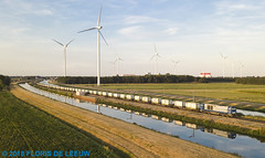 D21_De-Haandrik_060818 (florisdeleeuw) Tags: dehaandrik coevordenvechtkanaal bentheimer d21 pinnowshuttle spiegeling containertrein tankcontainers g2000 42787 be